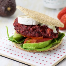 Beets quinoa patties