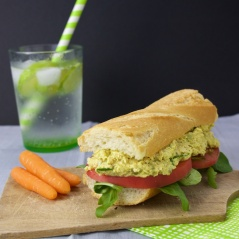 Chicken curry sandwich