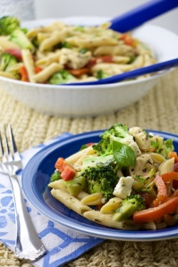 broccoli, feta chicken pasta salad