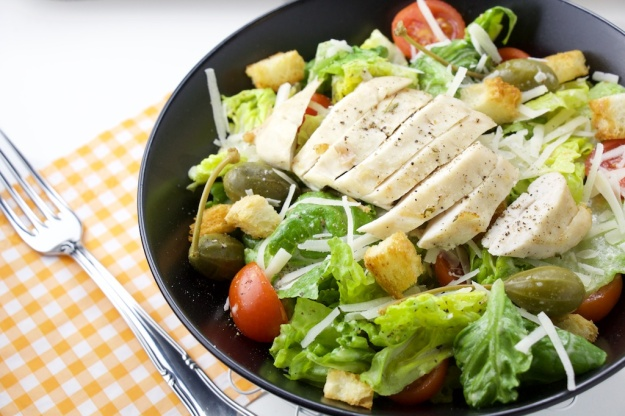 Cesar Salad with Chicken and Capers