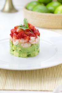 Shrimp tartar with strawberries and avocado
