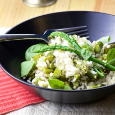 Asparagus, peas and bacon paella