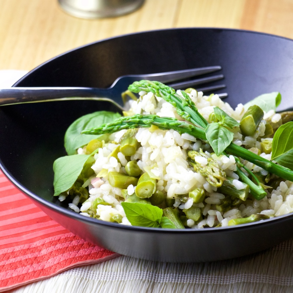 Asparagus, peas and bacon paella