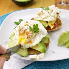 Avocado paprika eggs