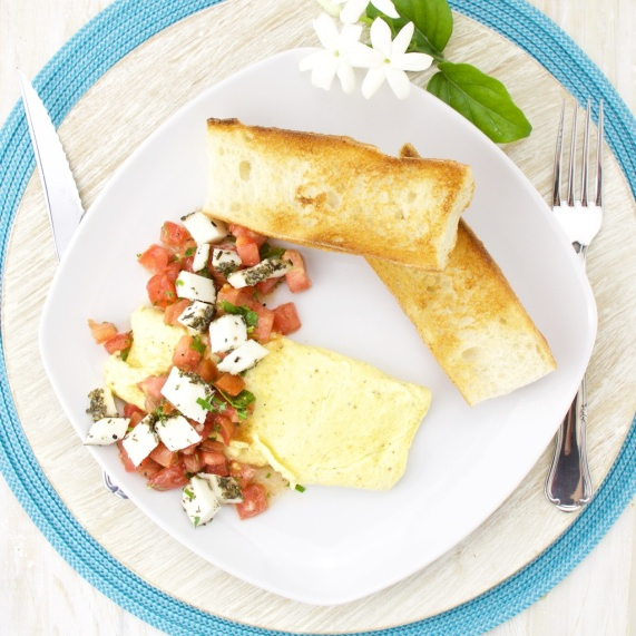 Goat cheese and tomato omelette
