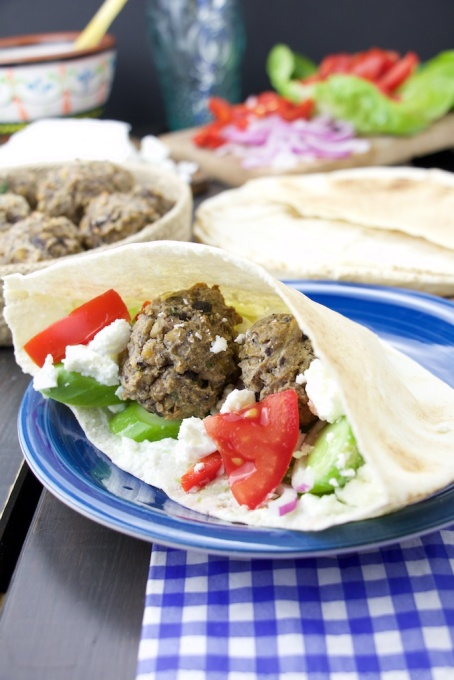 Greek falafel pita
