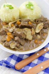 German beer beef stew with knödeln