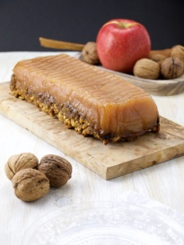 Compressed apple cake