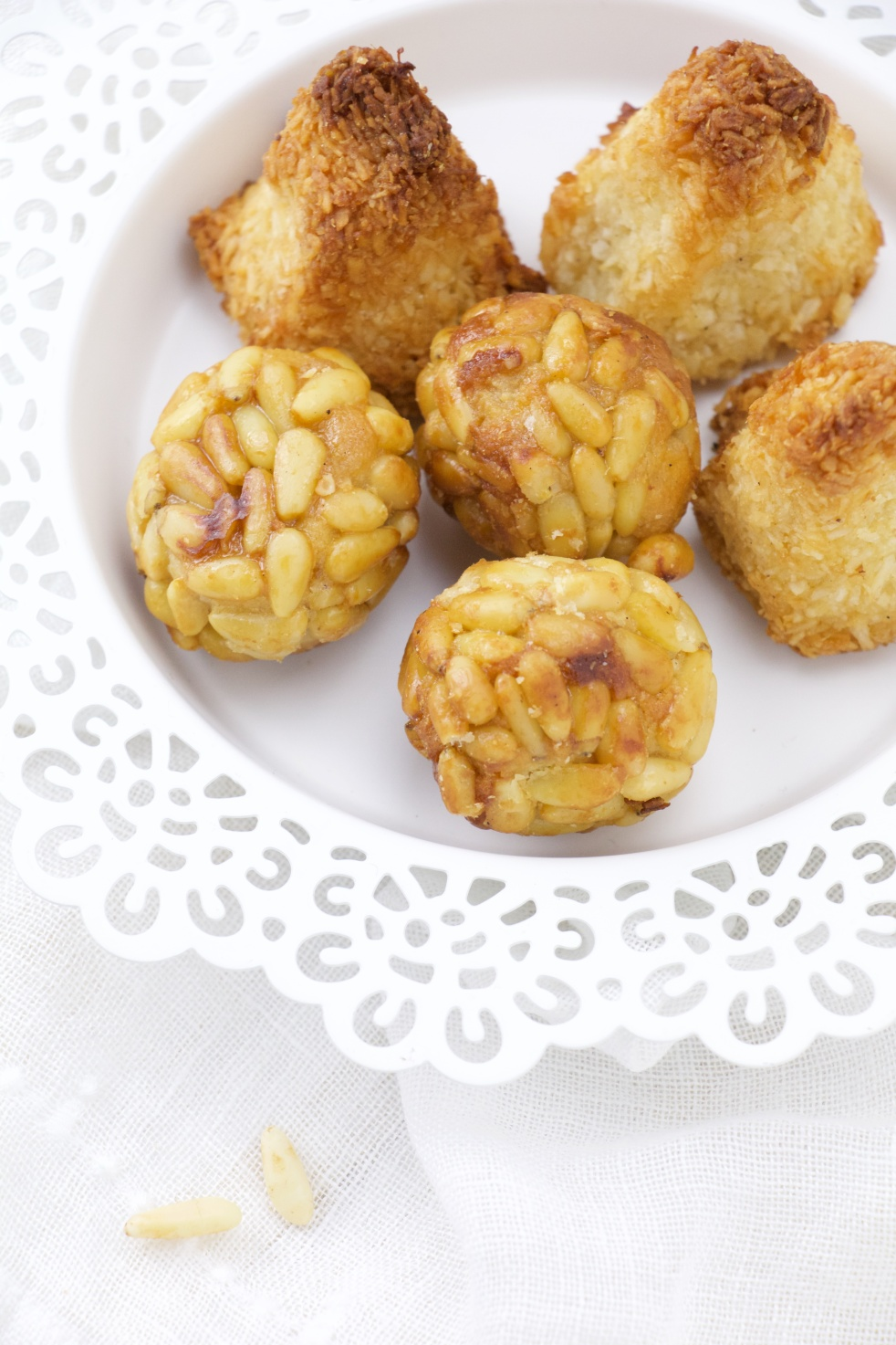 panellets pine nuts marzipan almond catalan