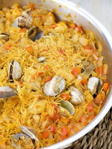 fideos seafood noodles catalan