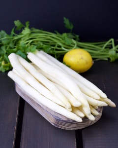 White asparagus-lemon cream pasta