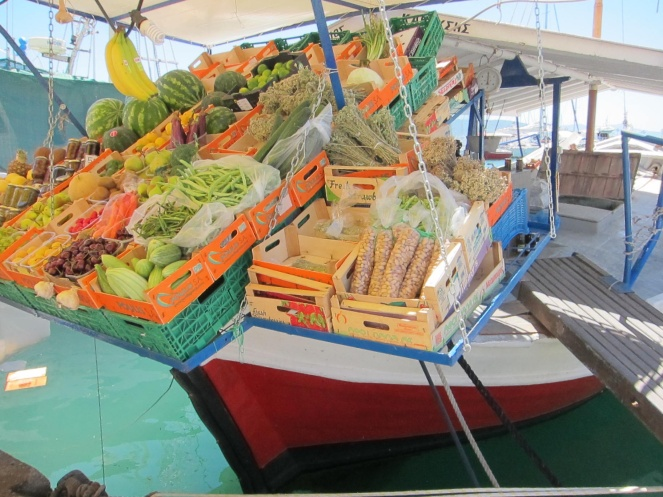Fruit boat market