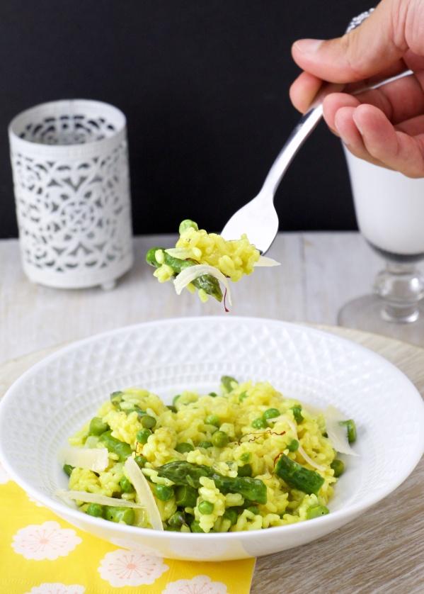 Saffron-asparagus risotto